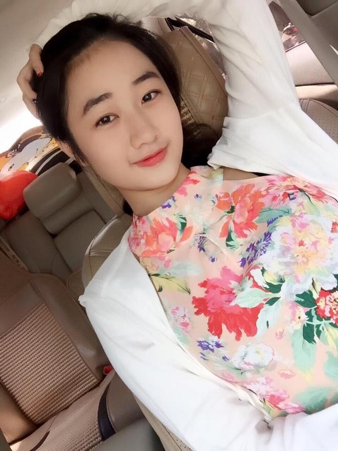"""Nhan sắc đời thường của tân """"Hoa hậu Bản sắc Việt toàn cầu"""" ảnh 2"""