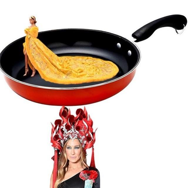 """Chiếc váy """"bánh pizza"""" của ca sĩ Rihanna"""