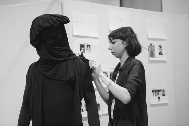 Những hình ảnh chưa từng thấy tại Tuần lễ thời trang Quốc tế Hà Nội ảnh 8