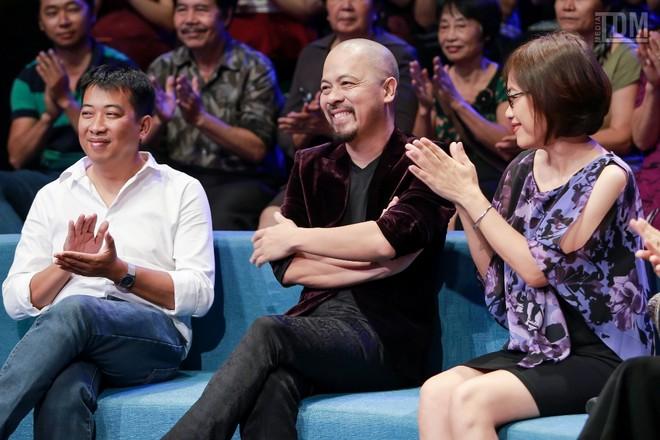 Nhà thiết kế Đức Hùng bảnh bao đọ dáng với MC Anh Tuấn ảnh 12