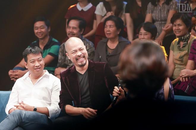 Nhà thiết kế Đức Hùng bảnh bao đọ dáng với MC Anh Tuấn ảnh 11