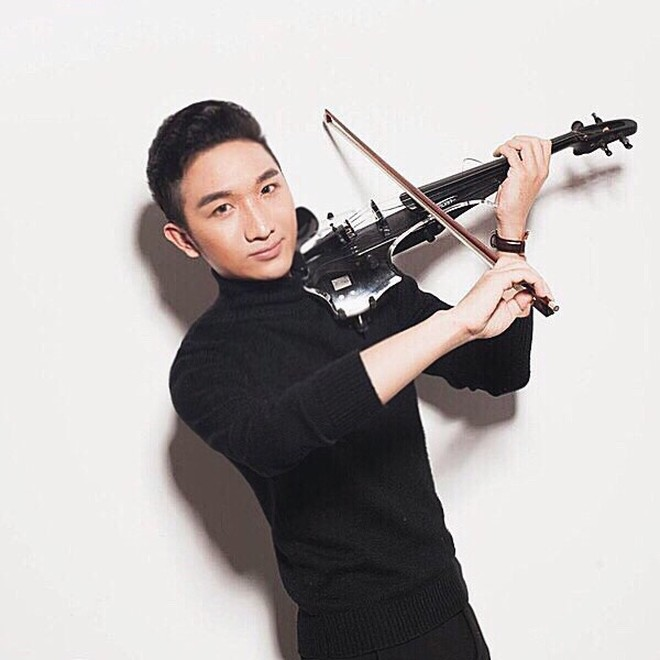 Nghệ sĩ violin Hoàng Rob: Sẵn sàng đi cả khi…đang ngủ!