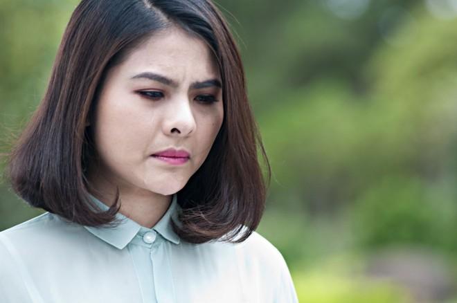 Vân Trang xuất hiện đầy ma mị trong phim kinh dị
