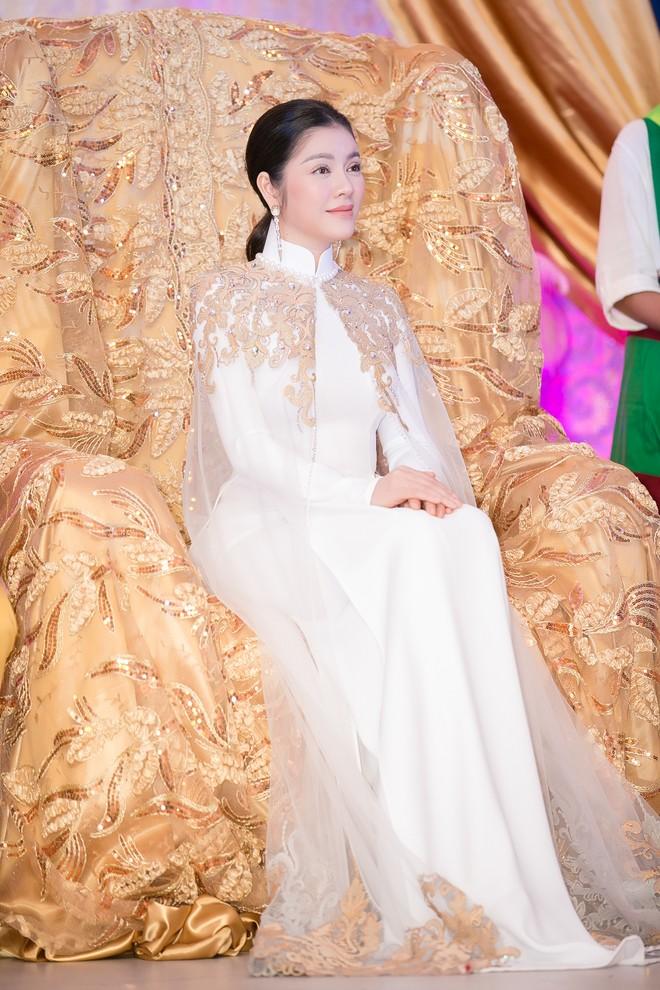 """Lý Nhã Kỳ chính thức trở thành """"Công chúa châu Á"""" của bộ tộc Mindanao!"""