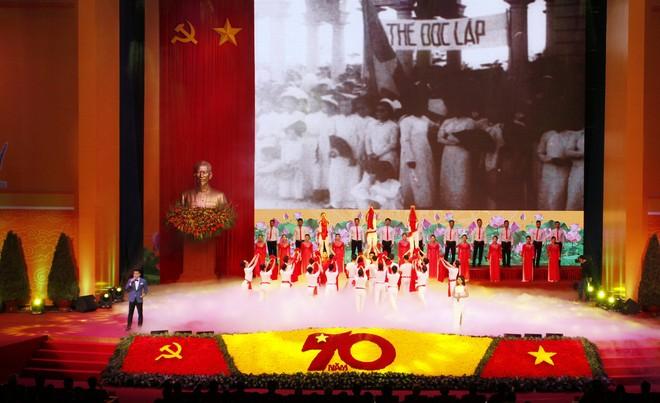Long trọng Lễ kỷ niệm 70 năm Ngày toàn quốc kháng chiến ảnh 14