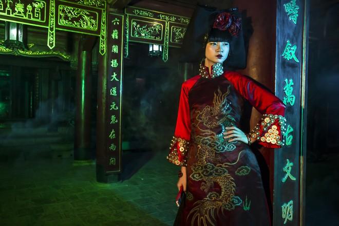 """NKT Phương Anh: Lấy cảm hứng thiết kế áo dài """"hầu đồng"""" từ những giấc mơ"""