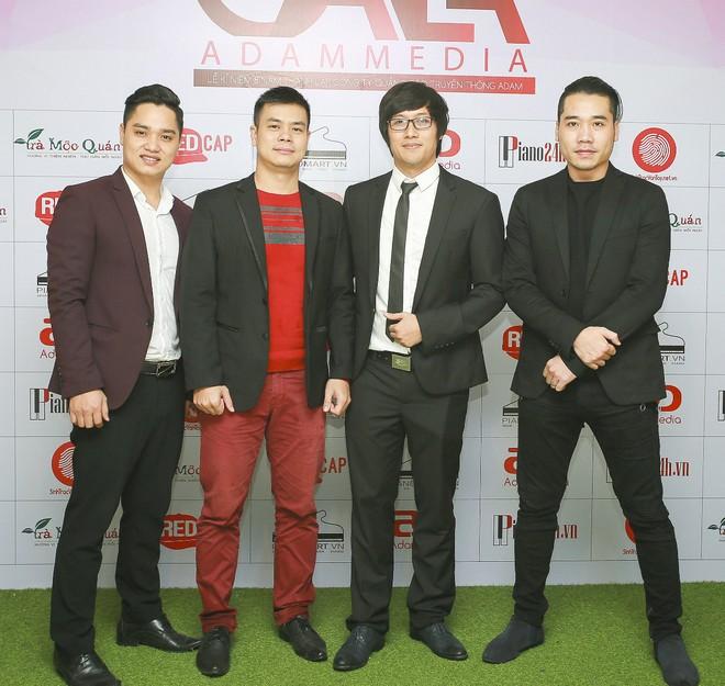 Ca sĩ Kim Long, nhạc sĩ Tất Nghĩa, giảng viên Vũ Ngọc Đảm, ca sĩ Tuấn Hiệp.