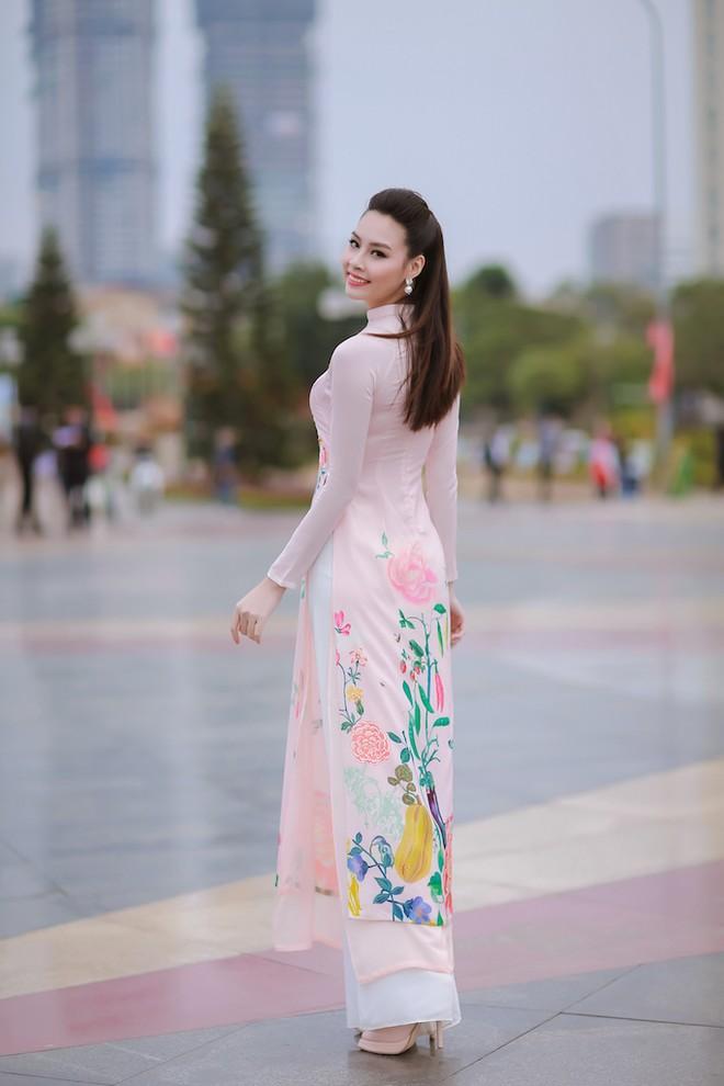 Ngắm nhan sắc rạng ngời của Hoa hậu Biển Thùy Trang ảnh 6