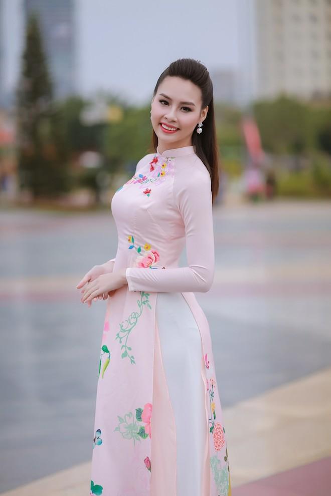 Ngắm nhan sắc rạng ngời của Hoa hậu Biển Thùy Trang ảnh 5