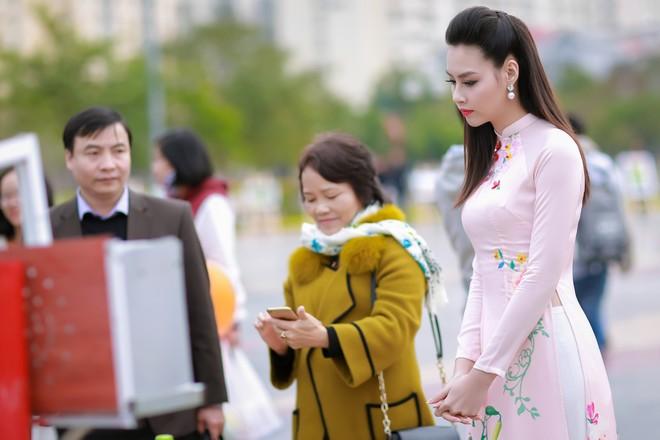 Ngắm nhan sắc rạng ngời của Hoa hậu Biển Thùy Trang ảnh 9