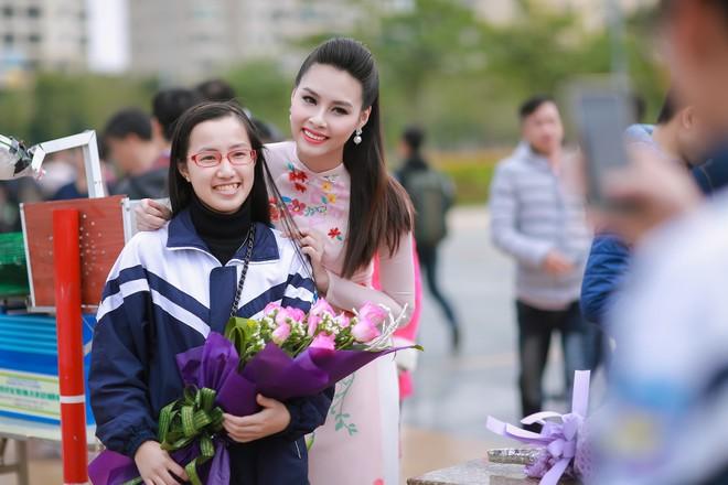 Ngắm nhan sắc rạng ngời của Hoa hậu Biển Thùy Trang ảnh 10