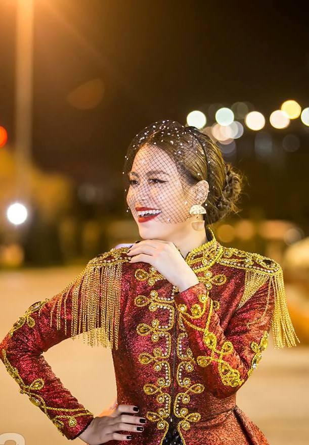  Hoàng Thùy Linh xuất hiện đầy khác lạ, quyến rũ và quyền uy như nữ hoàng  ảnh 12
