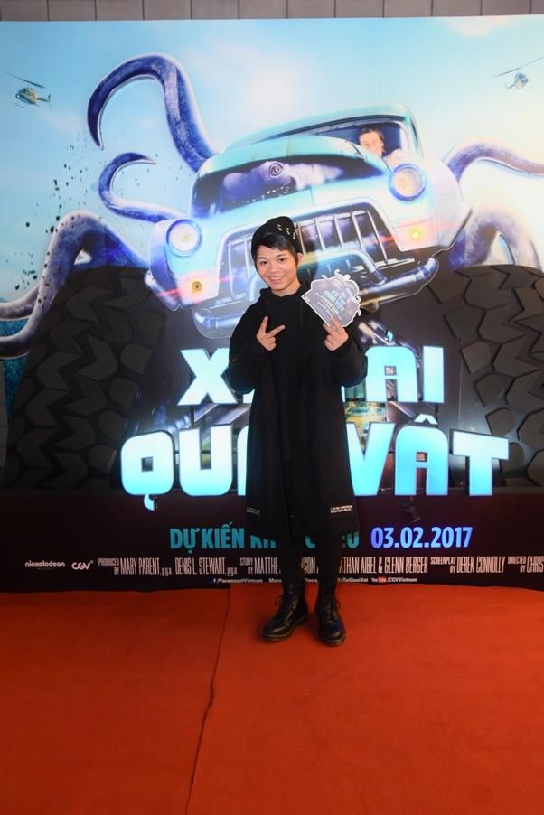 """Dương Thùy Linh cùng chồng con đi xem """"Xe tải quái vật"""" ảnh 7"""