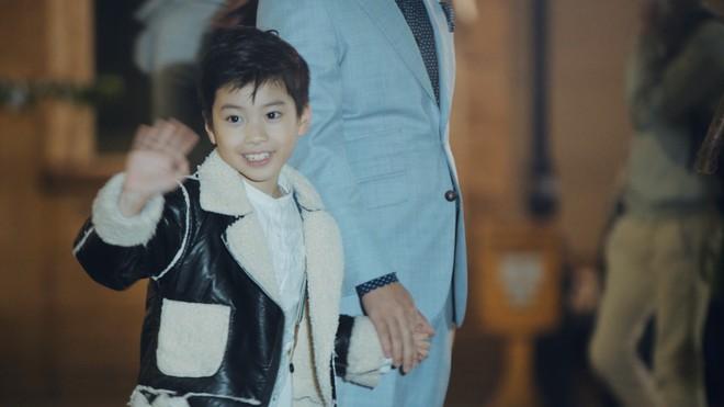 Con trai của ca sĩ Hoàng Tùng xuất hiện trong MV Tết của bố