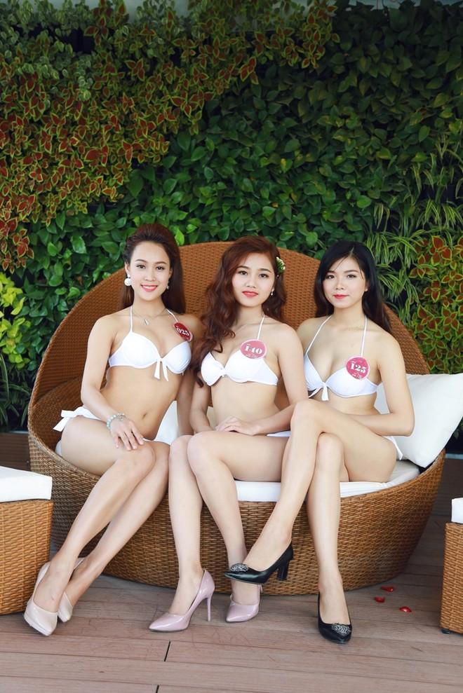 """Vẻ đẹp quyến rũ của các cô gái """"quê hương quan họ"""" trong trang phục bikini ảnh 13"""