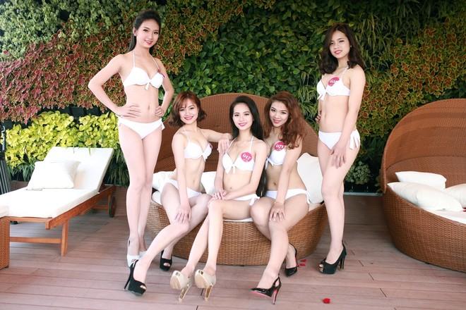 """Vẻ đẹp quyến rũ của các cô gái """"quê hương quan họ"""" trong trang phục bikini ảnh 11"""