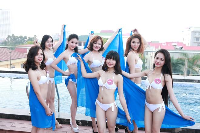 """Vẻ đẹp quyến rũ của các cô gái """"quê hương quan họ"""" trong trang phục bikini"""