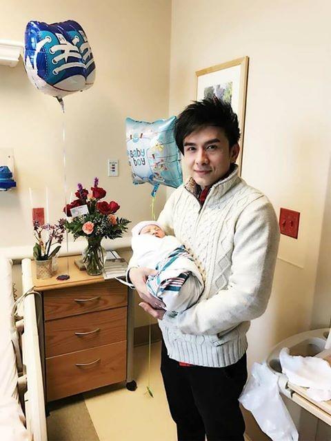 Con trai đầu lòng của ca sĩ Đan Trường vừa chào đời tại Mỹ ảnh 4
