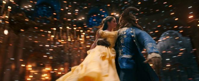 """Những điểm tương đồng khó tin giữa Emma Watson với Belle trong """"Người đẹp và quái vật"""" ảnh 5"""