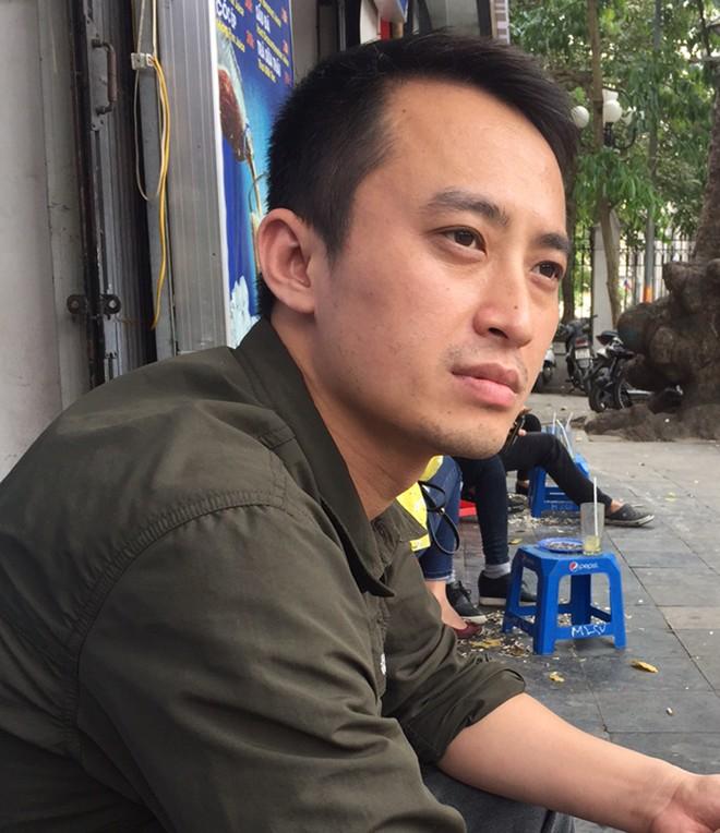 Nguyễn Minh Tân là lớp thế hệ trẻ nhưng lại có cái nhìn chín chắn đĩnh đạc. Mặc dù các tác phẩm của anh được anh thể hiện với màu sắc tươi sáng nhưng lại rất ấm áp, mộc mạc, đơn giản và không buồn tẻ.