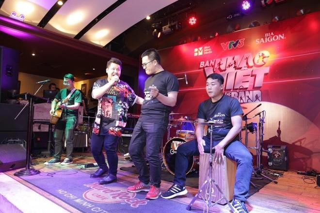 """Mỹ Linh ngồi """"ghế nóng"""" gameshow tìm kiếm ban nhạc Việt"""