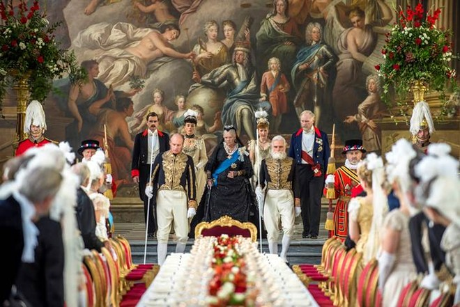 Câu chuyện lịch sử ít ai biết về tình bạn thâm giao kỳ lạ của Nữ hoàng Anh