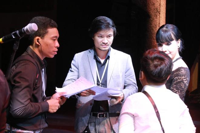 Tổng đạo diễn liveshow của Quang Lê bất ngờ rút khỏi chương trình