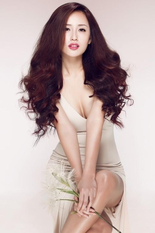 Hoa hậu Mai Phương Thúy sẽ tham gia trình diễn trong show của nhà thiết kế Hà Duy