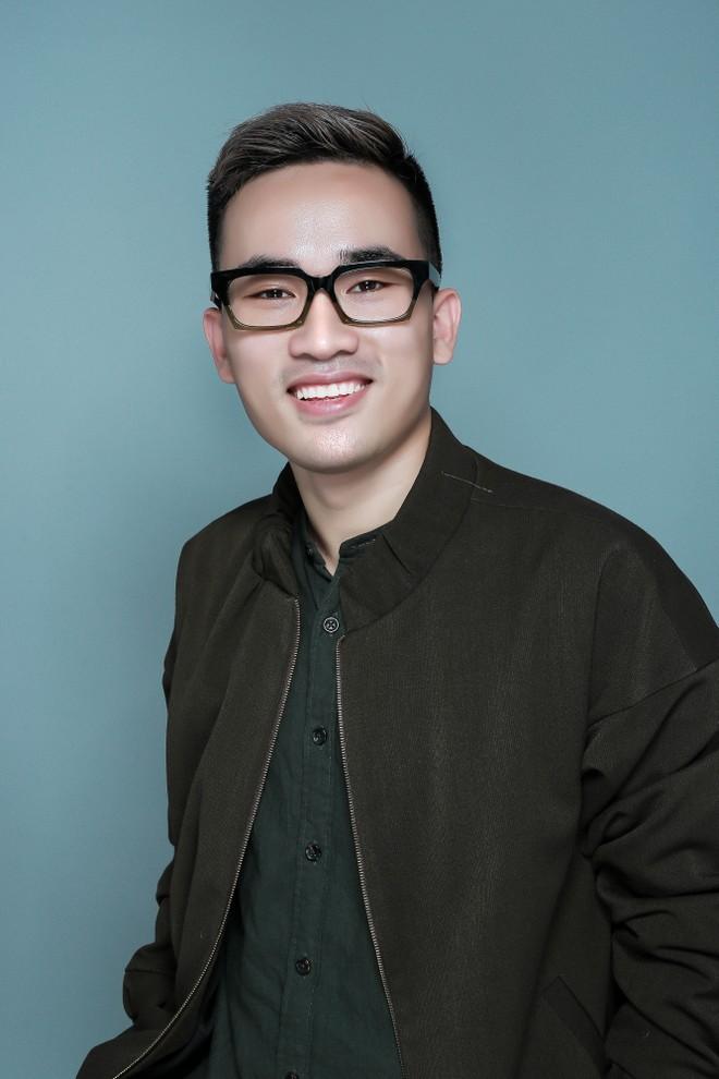 Nhà thiết kế Hà Duy