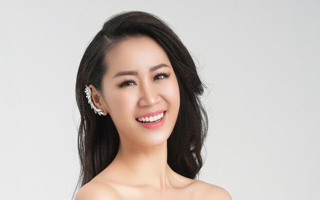 """Dương Thùy Linh mang nón lá in hình bản đồ Việt Nam đến """"Mrs Worldwide 2018"""""""