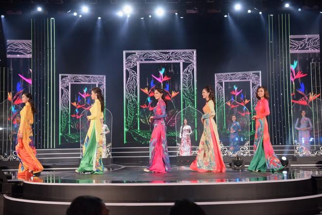 """Lý do đêm chung kết phía Nam """"Hoa hậu Việt Nam 2018"""" thay đổi chủ khảo vào phút chót"""