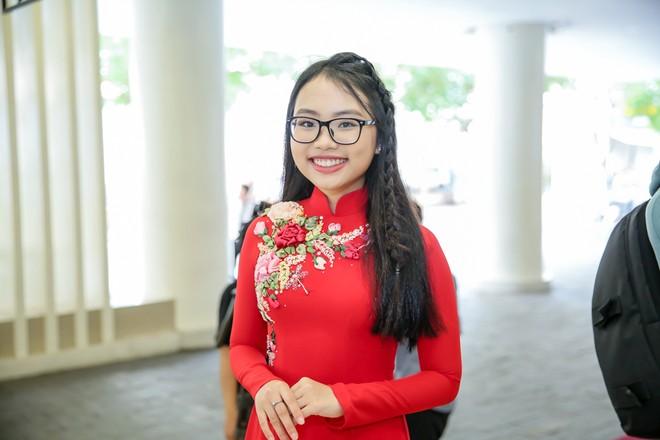 15 tuổi, Phương Mỹ Chi ra dáng thiếu nữ với vóc dáng phổng phao