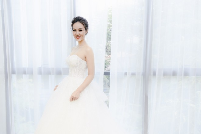 Bạn gái NSƯT Công Lý xuất hiện xinh đẹp trong bộ váy cô dâu