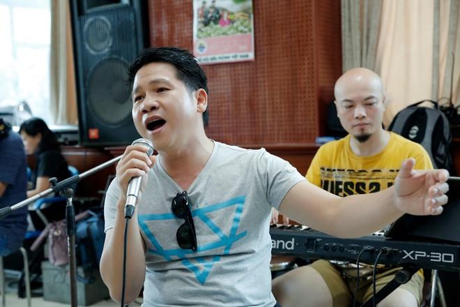 """Vé """"chợ đen"""" liveshow Trọng Tấn – Đăng Dương – Việt Hoàn lên tới 12 triệu đồng/cặp  ảnh 8"""