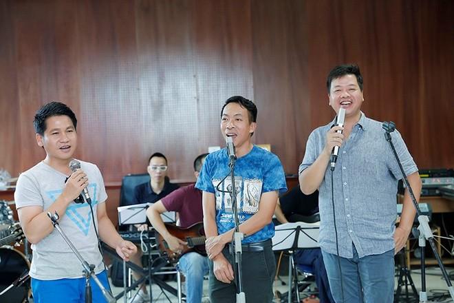 Đây là liveshow chung đầu tiên của Trọng Tấn - Đăng Dương - Việt Hoàn sau 20 năm ca hát