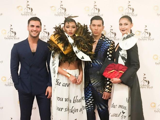 """Ngọc Tình và Diệu Huyền (đứng giữa) khi tham gia """"New York Couture Fashion Week"""""""
