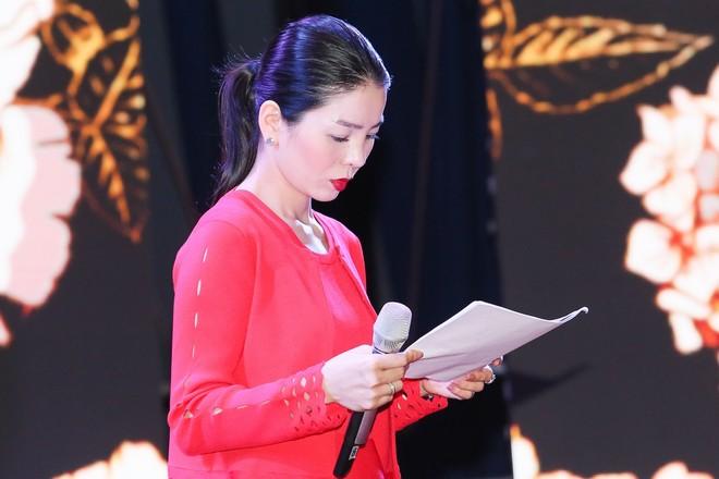 """Lệ Quyên tại buổi tổng duyệt chuẩn bị cho live-concert """"Lệ Quyên 2018"""" tổ chức ở Hà Nội"""