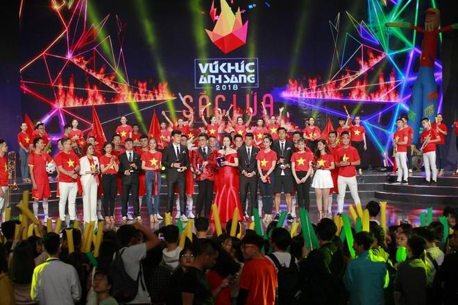 Các tuyển thủ bóng đá Việt Nam sẽ xuất hiện trên sân khấu Countdown 2019