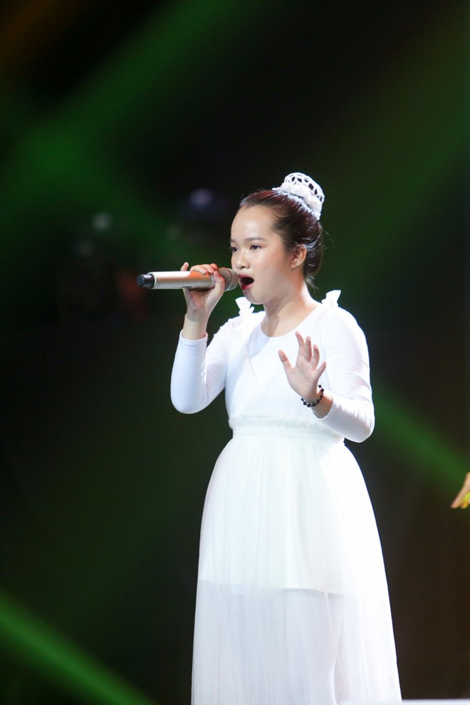 """Học trò của cặp HLV """"Giang - Hồ"""" lên ngôi Quán quân """"Giọng hát Việt nhí 2018"""""""
