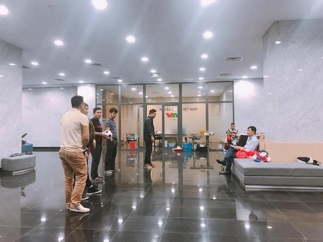 """Thành Trung trở lại đóng """"Táo Quân 2019"""", hé lộ ảnh hậu trường"""