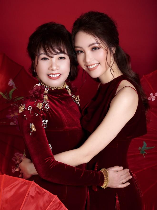 Thụy Vân thừa hưởng nhiều nét đẹp từ mẹ