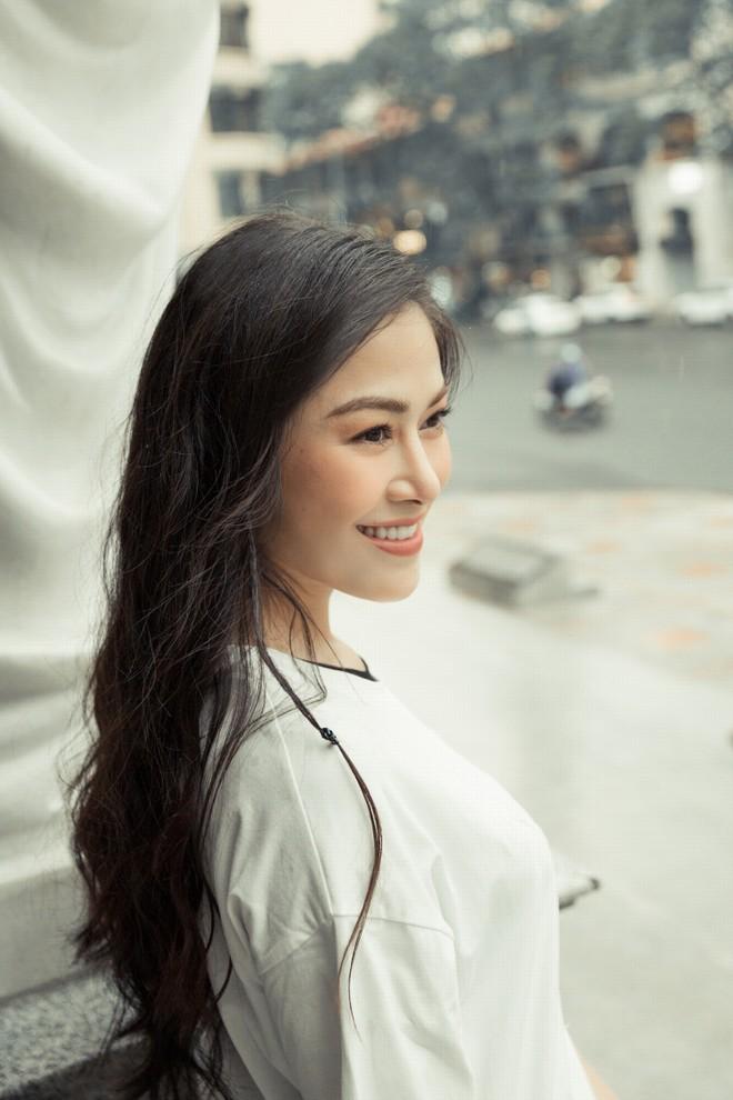 """Cô gái lọt Top 10 """"Sao Mai 2017"""" thi """"Hoa hậu Áo dài Việt Nam"""""""