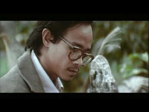Hình ảnh của nhạc sĩ Trịnh Công Sơn trong phim
