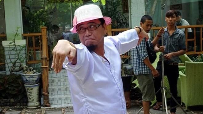 Nghệ sĩ Hồng Tơ từng chui vào tủ quần áo, trèo lên nóc nhà để trốn khi bị đòi nợ