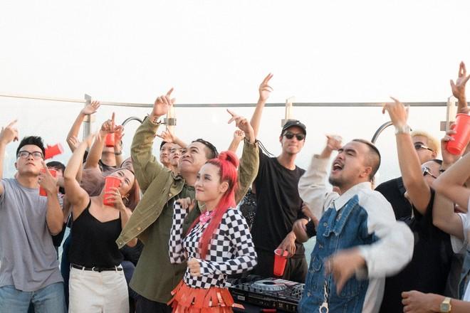 """MV """"Con đường"""" của Lộn Xộn Band mang thông điệp khích lệ giới trẻ dám sống vì ước mơ của mình"""