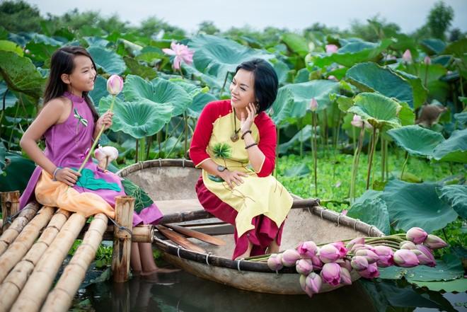 """Tiết lộ về bản """"hợp đồng mẫu tử"""" giữa Thái Thùy Linh và con gái"""