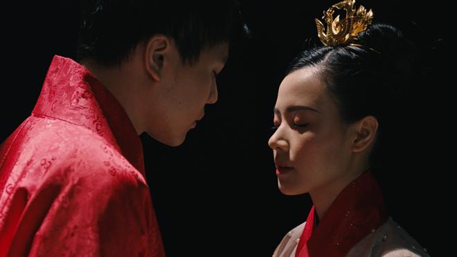 Midu và Trịnh Thăng Bình với tạo hình nhân vật cổ trang trong phim