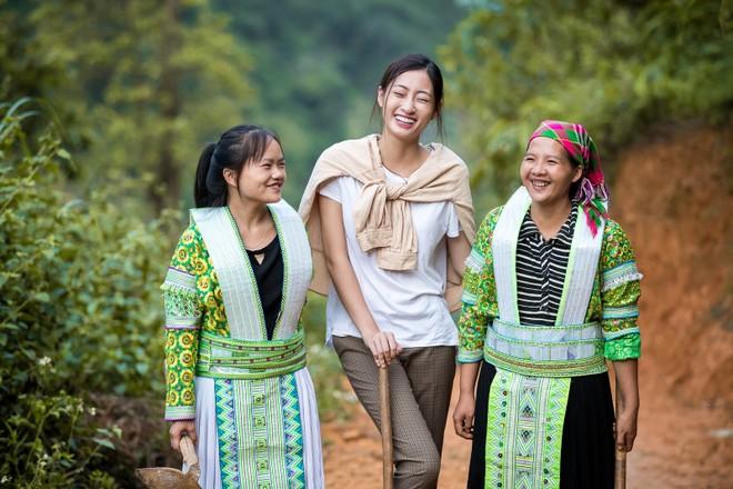 Nụ cười rạng rỡ của người đẹp Cao Bằng khi bắt tay vào thực hiện dự án nhân ái trên mảnh đất quê hương mình