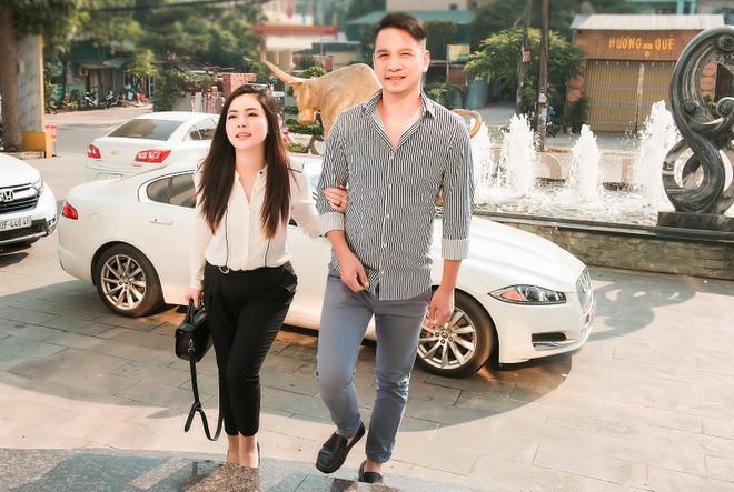 Ngọc Hiền và ông xã doanh nhân Việt kiều