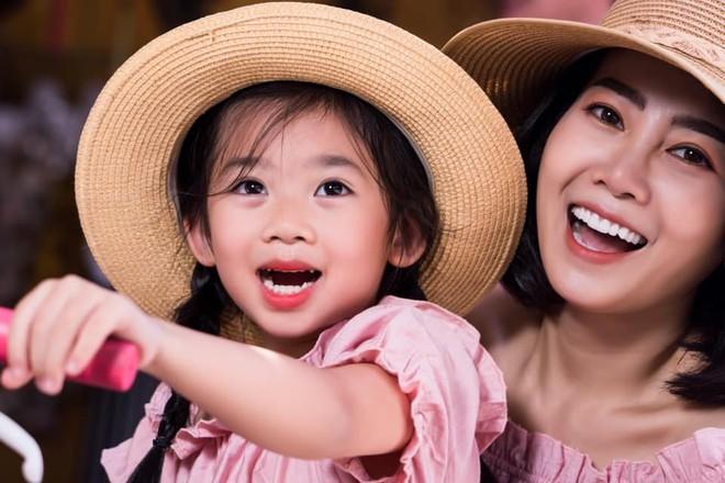 Mai Phương chia sẻ, con gái là động lực lớn lao nhất giúp cô chiến đấu với bệnh tật